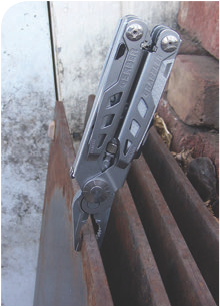 """Ability to deploy, adjust, grab and lock one-handed makes the Gerber Grappler a worthy silent partner when working alone. We grabbed a 60# chunk of 3/8"""" plate and dragged it all over the yard: it never let go."""