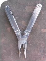 Gear drive of SOG PowerLock not only gives mechanical advantage but also lets pliers maw open to a wider bite than others of similar dimension.