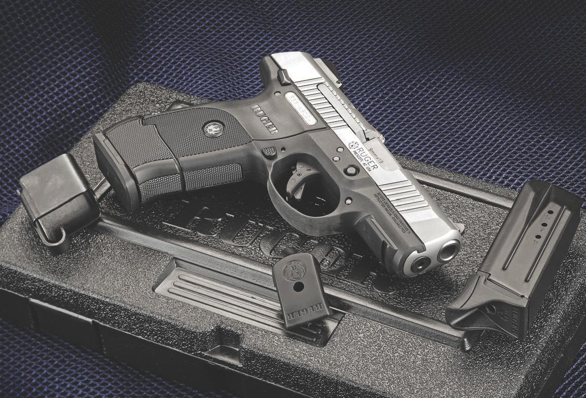 Go-To Compact Pistol | Ruger SR9C | GUN MAGAZINE | SWAT VAULT