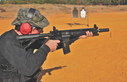 Novice shooter works with SOT Hanson 14.5 for the first time. He was able to get tight groups while on the move, and commented how smoothly the weapon fired as compared to other rifles at this class.